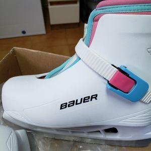 Girls skating shoes